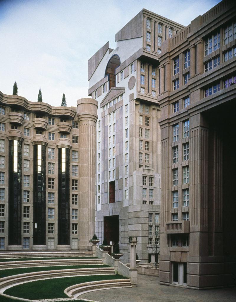 Les_Espaces_Abraxas_Marne_la_Valle_Paris_France_Ricardo_Bofill_Taller_Arquitectura_06